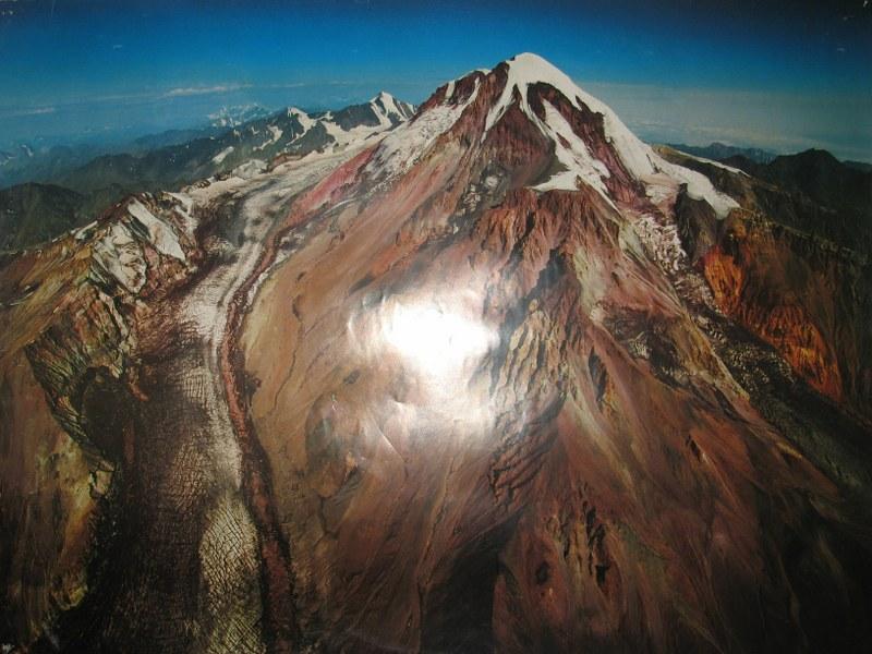 Октябрь 2011 г. события развиваются на склонах г. Казбек 5034 м.