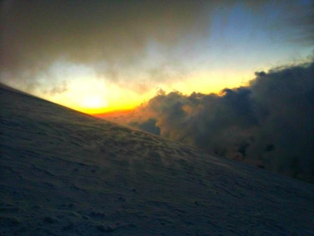 Рассвет на Эльбрусе