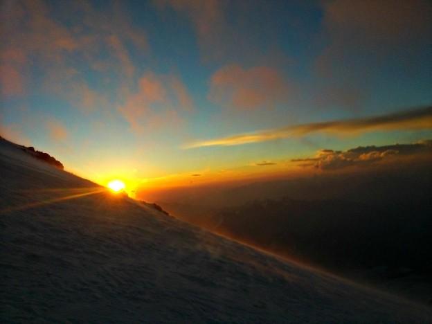 Солнце вышло на Эльбрусе